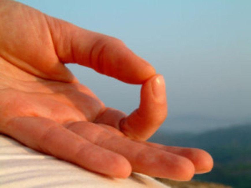 benefits-of-meditation-hand.s600x600