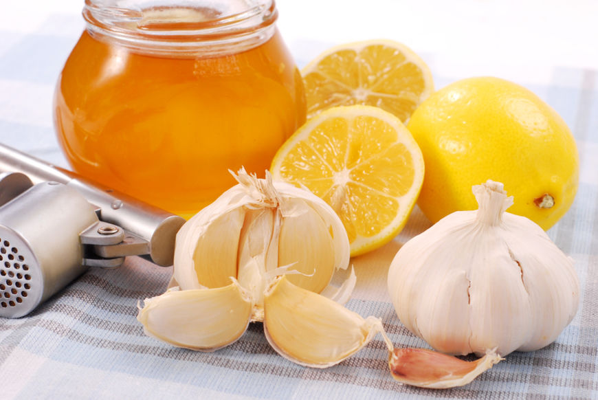 honey,garlic and lemon as natural medicine